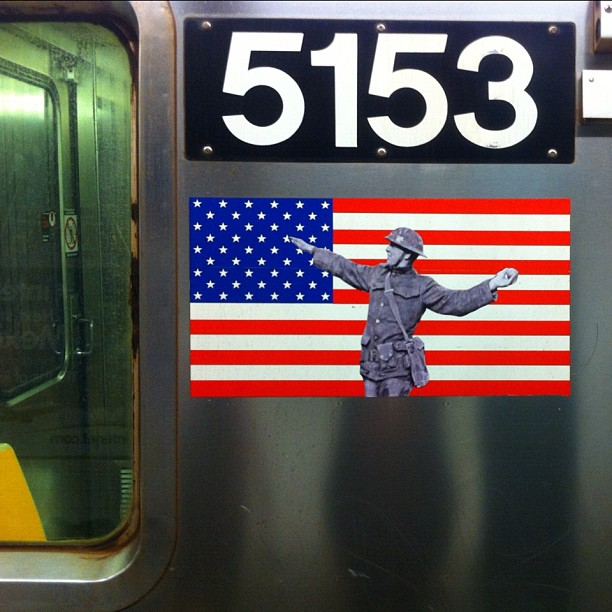 El juego de las imagenes-http://subwayartblog.com/wp-content/uploads/2012/10/G-train-car-5153-photo-@classicb23-by-jillyballistic.jpg